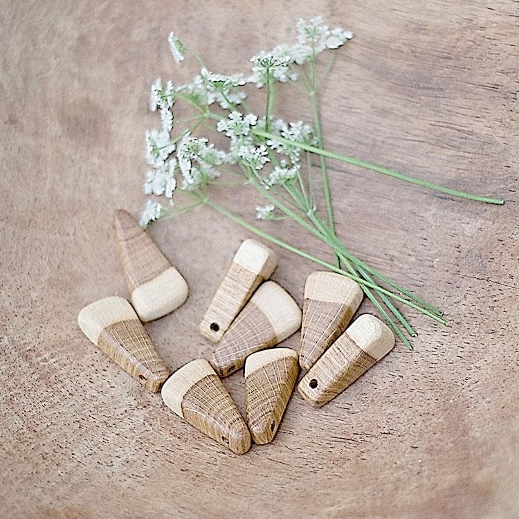 Pendenti bicolori in legno